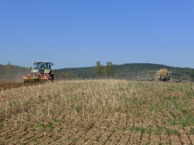 Doppelte Schlagkraft - Gülleapplikation mit Bodenbearbeitung direkt im Anschluss
